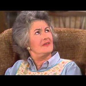 All in the Family: You're in my chair, Maude! - YouTube