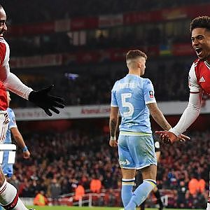 Reiss Nelson sends Arsenal to 4th round with winner vs. Leeds United | FA Cup Highlights - YouTube