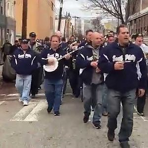 South Philadelphia String Band - Fly Eagles Fly - YouTube