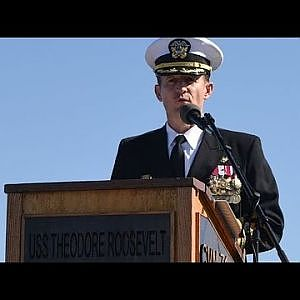 Captain Brett Crozier Recieves Standing Ovation From Navy Crew After Being Fired!!!! - YouTube